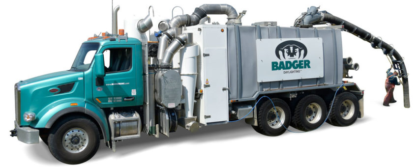 w-operator-1200-Badger-Daylighting-Badger-Hydrovac-Truck